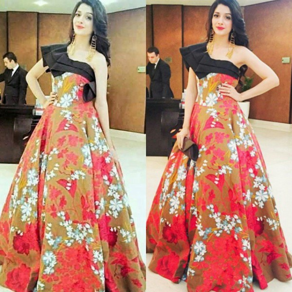 Who Look More Beautiful in Cinderella Gown.mawra