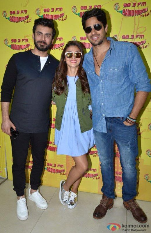 Fawad Khan, Alia Butt and Sidharth Malhotra having fun during promotion of Kapoor and Sons (2)