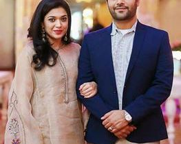 See Recent Click of Sanam Jung with her husband