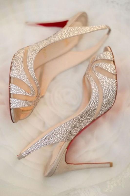 26-girls-in-high-heels
