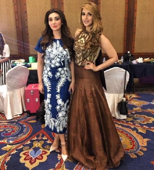 Ayesha Khan and Hareem Farooq at ARY Film Awards 2016