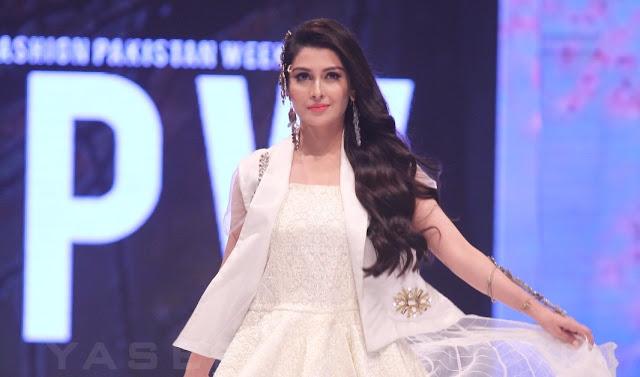 Ayeza Khan at FPW16