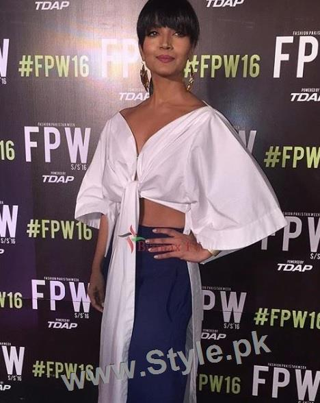 Looks of Pakistani Celebrities at FPW'16 Day 1 (14)