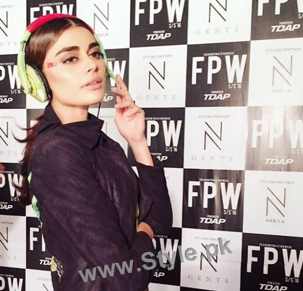Looks of Pakistani Celebrities at FPW'16 Day 1 (16)