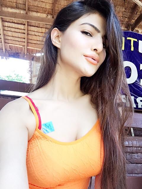 Model Sadaf Hamid In Thailand 15