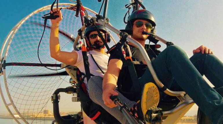 See Hamza Ali Abbasi is a pilot now