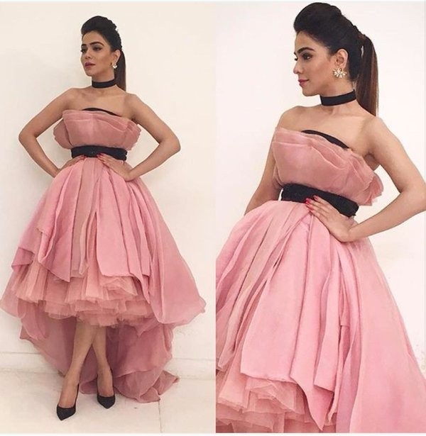 Humaima Malik In Strapless Dress