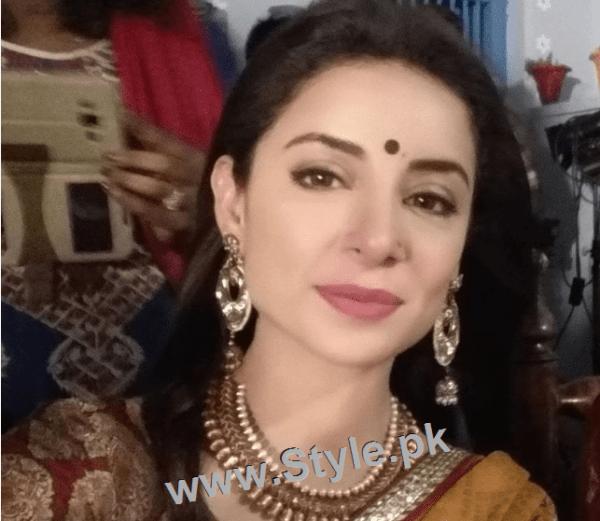 Recent Pictures of Sarwat Gillani as Hindu girl (3)