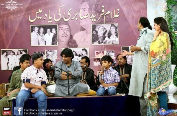 Amjad Sabri (Late) with his Family (10)
