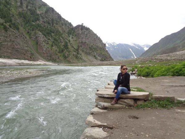 Hadiqa Kiani's tour to Nothern Areas (2)