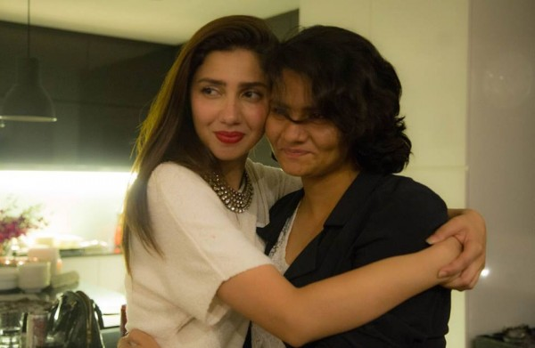 Mahira Khan in Singapore with her fans (9)