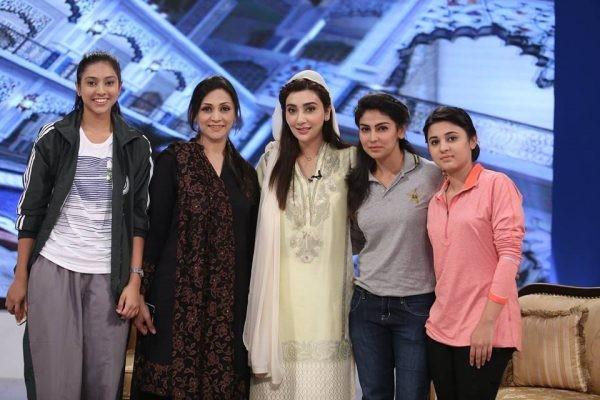 Pakistan Women Cricket Team in Ramzan Transmission (5)