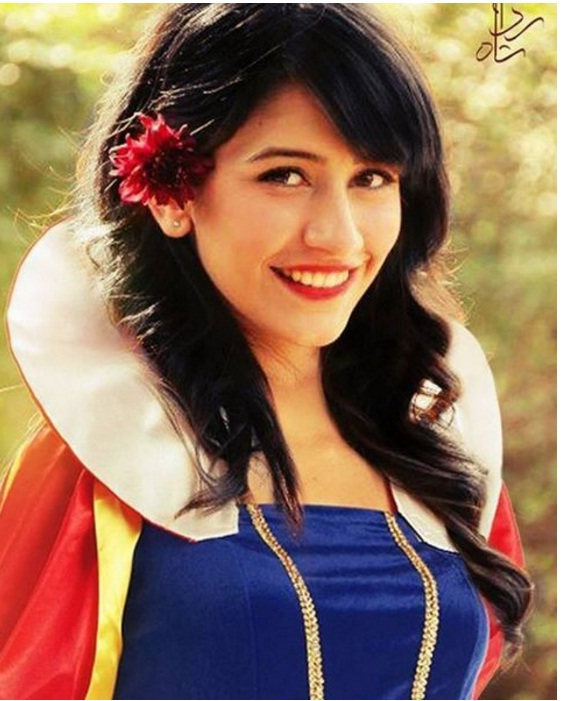 Syra Yousaf as Snow White