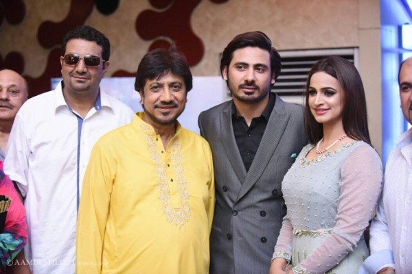 Ishq Positive Premiere in Lahore (11)