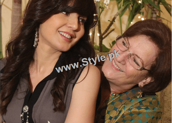 See Mahnoor Baloch with her mother