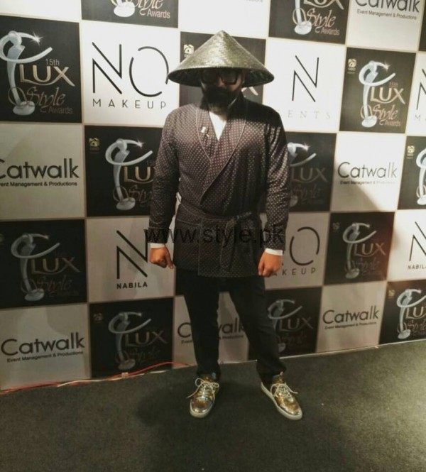 Pakistani Celebrities at Lux Style Awards 2016 (12)