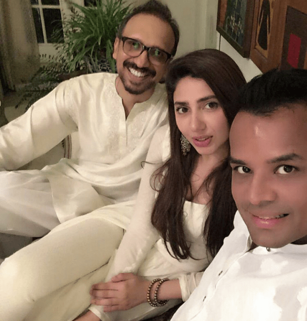 Pictures of Pakistani Celebrities on 2nd day of Eid (17)
