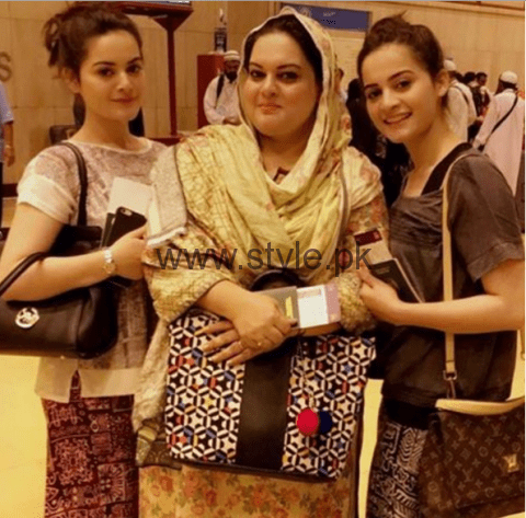 Aiman Khan and Minal Khan are enjoying in Thailand (1)