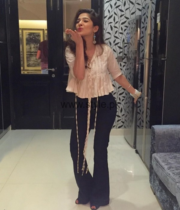 Ayesha Omer Beautiful