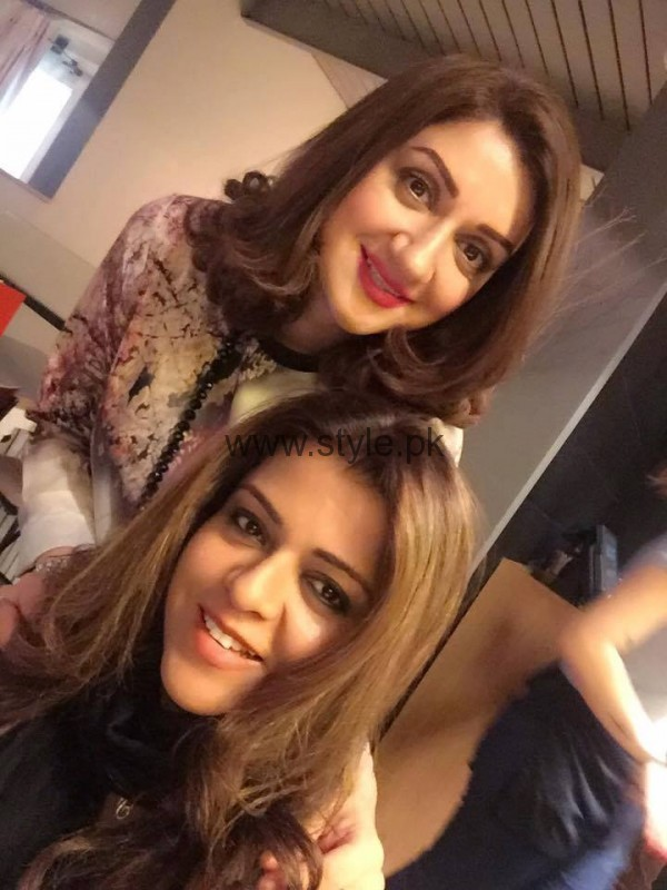 Ayesha Sana and Maria Wasti enjoying in London (9)