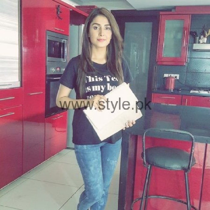 Ayeza Khan BTS Pictures From Her Upcoming Project