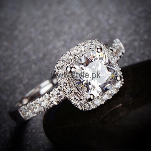 Latest Engagement Diamond Rings for Girls 2016 (24)