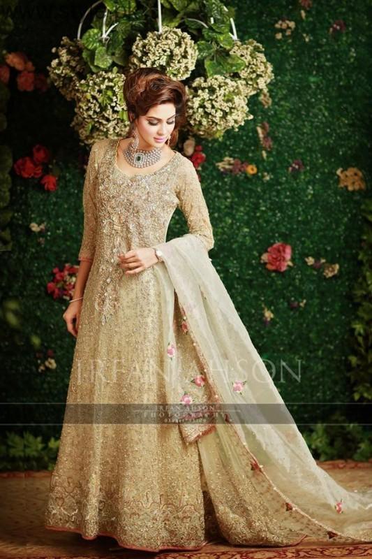 Latest Pakistani Engagement Dresses  (4)