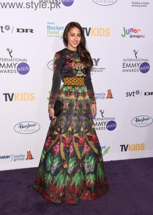 Ainy Jaffri in long Pakistani Skirt (9