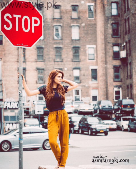 Momina Mustehsan's Biography and Pictures (1)
