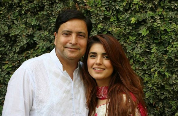 Momina Mustehsan's Family Pictures (21)