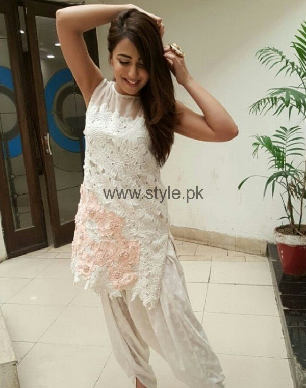 Ushna Shah Beautiful Photo