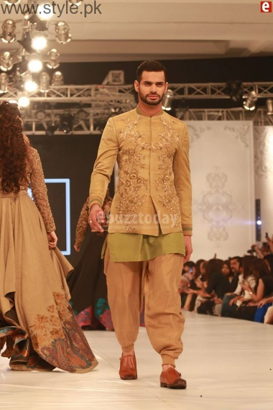 HSY at PFDC L'Oréal Paris Bridal Week 2016 Day 1 002 (11)