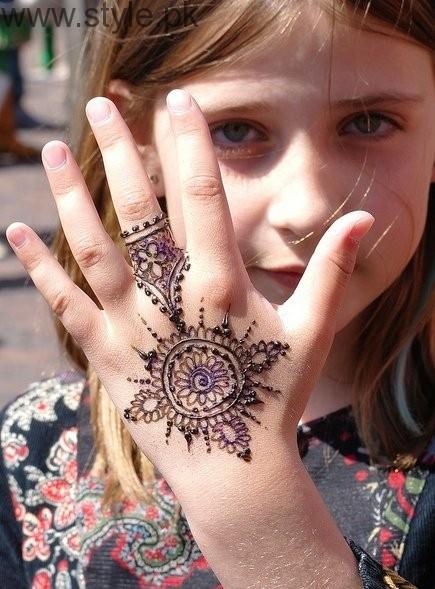 Latest Mehndi Designs 2016 for Kids (8)