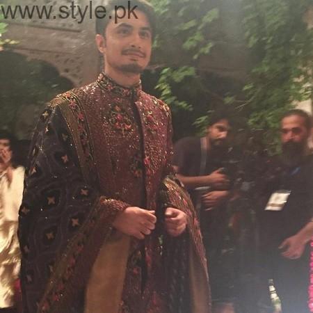 Mahira Khan and Ali Zafar walked on ramp for Divani Couture 2016 (2)