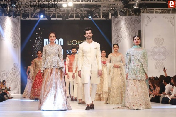 Sania Maskatia at PFDC L'Oreal Paris Bridal Week 2016 Day 1 (14)