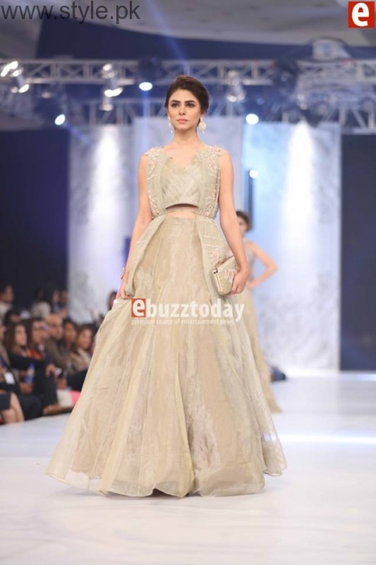 10 Best Dresses at PFDC L'Oréal Paris Bridal Week 2016 (6)