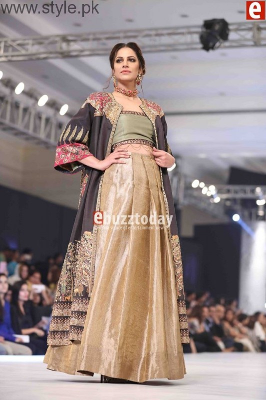 10 Best Dresses at PFDC L'Oréal Paris Bridal Week 2016 (7)