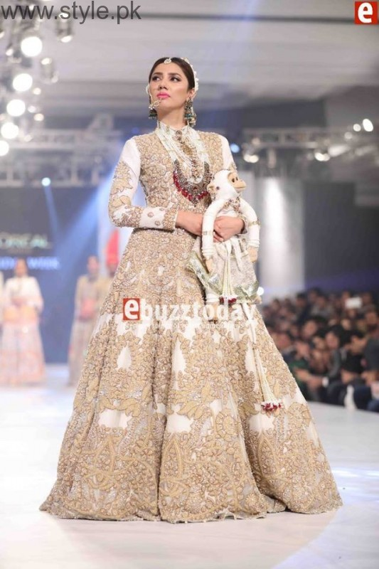 10 Best Dresses at PFDC L'Oréal Paris Bridal Week 2016 (9)