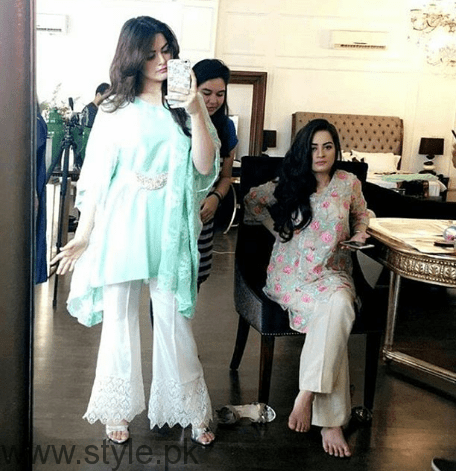 Aiman Khan and Minal Khan's photoshoot for Agha Noor (6)