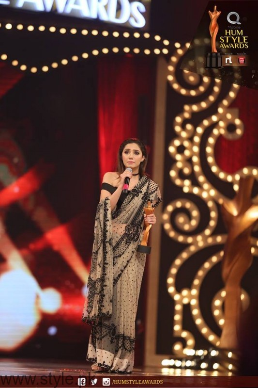 Celebrities at Qmobile HUM Style Awards 2016 (11)