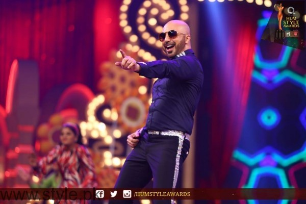 Celebrities at Qmobile HUM Style Awards 2016 (24)