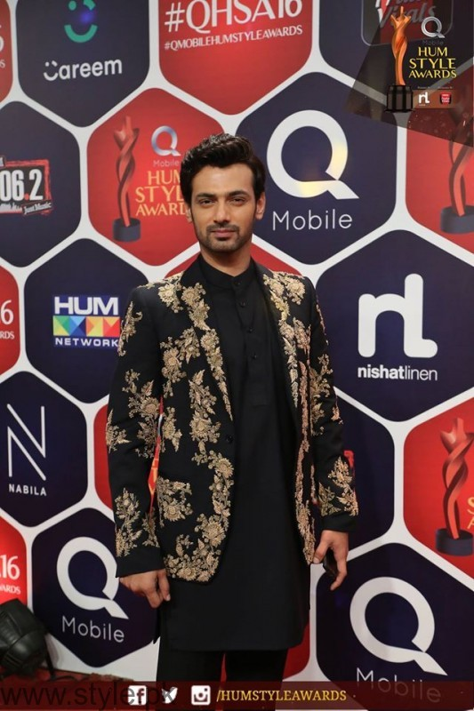 Celebrities at Qmobile HUM Style Awards 2016 (34)