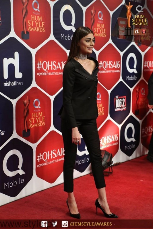 Celebrities at Qmobile HUM Style Awards 2016 (35)