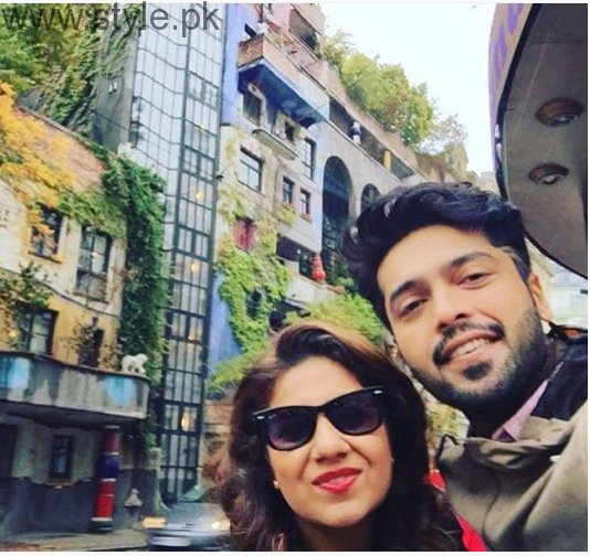 Fahad Mustafa is vacationing with wife in Greece (4)