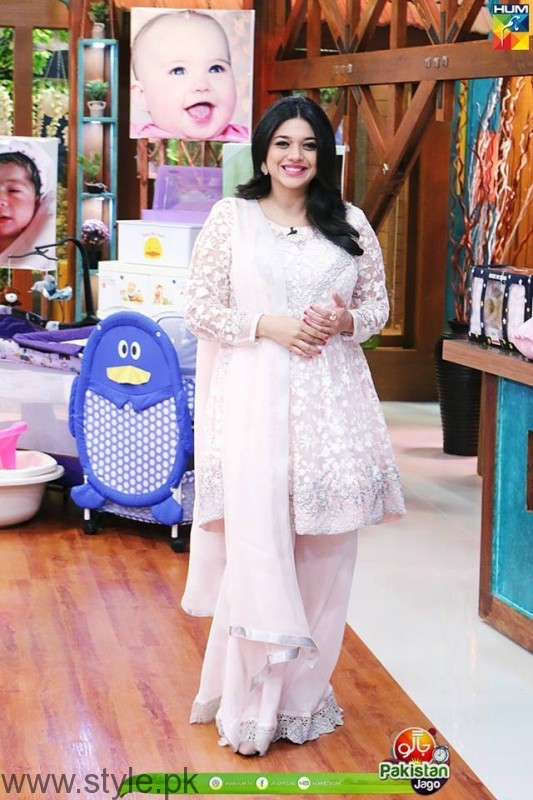 Jago Pakistan Jago Host Sanam Jung
