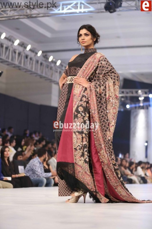 PFDC L'Oréal Paris Bridal Week 2016 Day 2 Pictures (23)