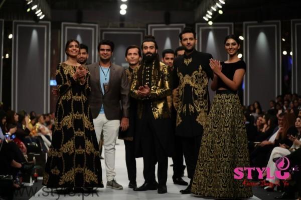 Arsalan Iqbal collection at Fashion Pakistan Week 2016 (1)