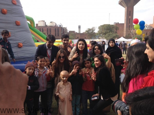 Maya Ali at Shaukat Khanum Memorial Cancer Hospital Fun Mela (4)