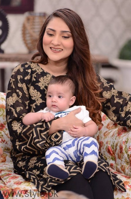 Sana Askari with her Husband and son in Good Morning Pakistan (2)