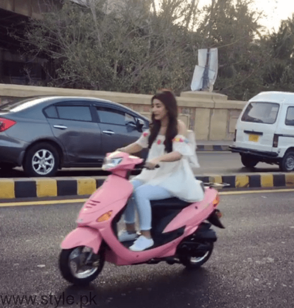 Urwa Hocane Riding Scooty In Karachi